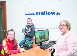 Catherine O'Regan, Mallow Development Partnership, with Tara Bolster and Lucy McDonnell at the launch of the new 'mallow.ie' website. Pic, Sean Jefferies.