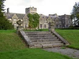 Funding of €30,000 has been allocated under the Government's 2018 Structures at Risk Scheme to Mallow Castle and will be used to help address the dry rot problem in the […]